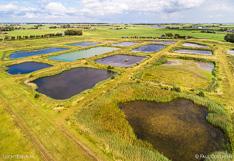 Luchtfoto van de Volgermeerpolder bij Broek in Waterland, gefotografeerd met een drone.